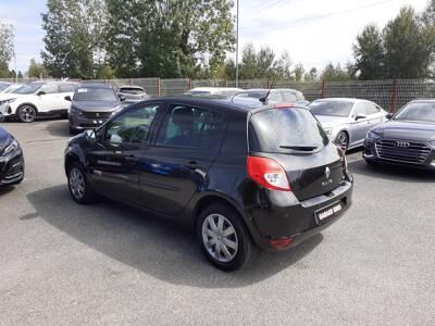 Voir la photo n°2 de la voiture d'occasion RENAULT CLIO III BUSINESS — dCi 75 eco2 Business