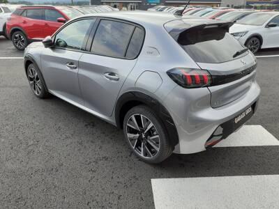 Voir la photo n°2 de la voiture 0KM PEUGEOT 208 — PureTech 100 S&S EAT8 GT