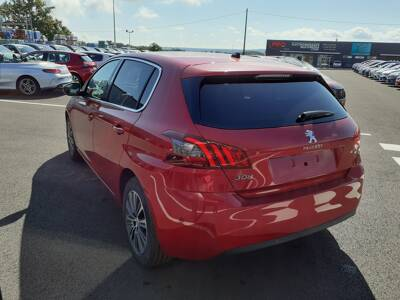 Voir la photo n°2 de la voiture 0KM PEUGEOT 308 — PureTech 110ch S&S BVM6 Allure Pack