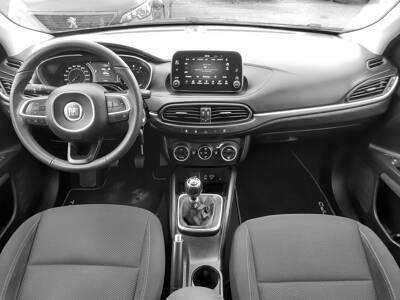 Voir la photo n°5 de la voiture d'occasion FIAT TIPO STATION WAGON — 1.6 MultiJet 120 ch Start/Stop Easy