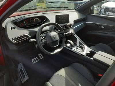Voir la photo n°4 de la voiture 0KM PEUGEOT 3008 — BlueHDi 130ch S&S EAT8 GT Line