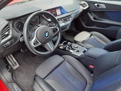 Voir la photo n°4 de la voiture d'occasion BMW SERIE 1 F40 — 116d 116 ch DKG7 M Sport
