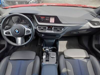 Voir la photo n°5 de la voiture d'occasion BMW SERIE 1 F40 — 116d 116 ch DKG7 M Sport