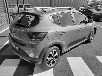 Voir la photo n°3 de la voiture 0KM DACIA SANDERO — TCe 90 Stepway Confort