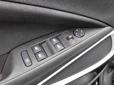 Voir la photo n°5 de la voiture d'occasion OPEL CROSSLAND X — 1.2 Turbo 110 ch Opel 2020